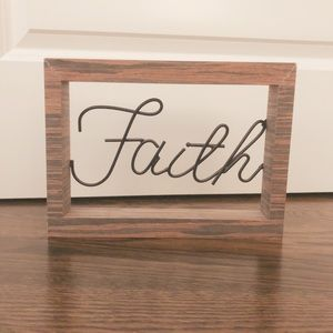 "Little ""faith"" decor"